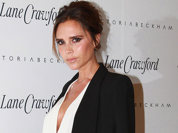 Victoria Beckham Says She Had Her Breast Implants Removed