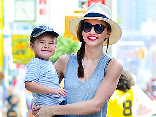 Star Tracks: Star Tracks: Wednesday, June 19, 2013 | Miranda Kerr