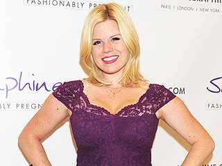 Smashing! Megan Hilty Steps Out 9 Weeks After Baby