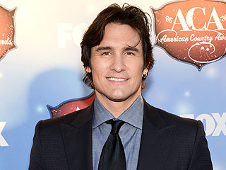 Joe Nichols: My Success Is Sweeter with Family