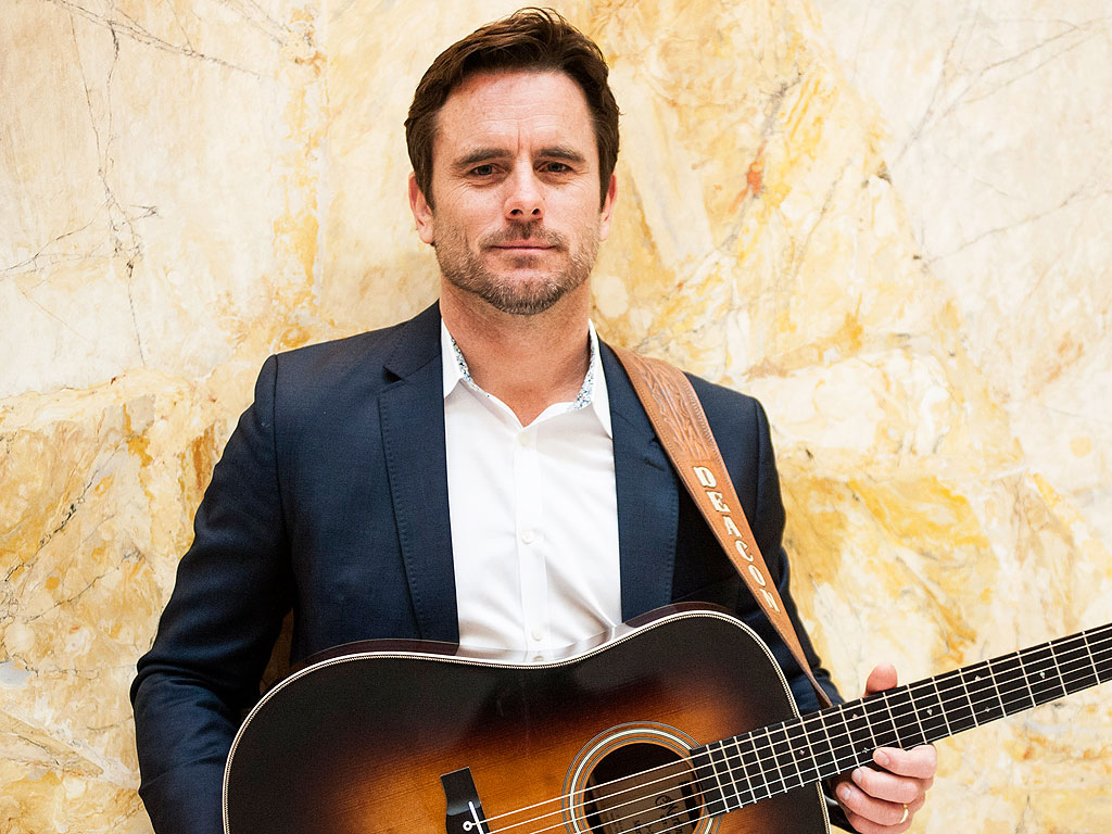 Nashville Blog: Charles Esten Weighs in on the Rayna-Deacon-Luke Love Triangle
