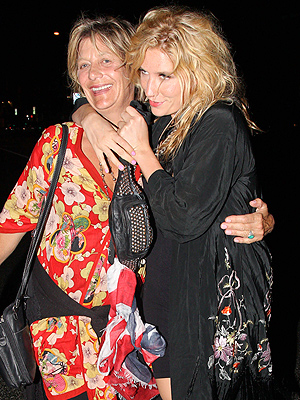 Ke$ha's Mom, Pebe Sebert, Checks Into Rehab Center With Daughter