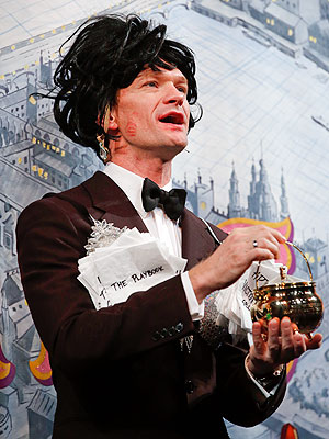 Neil Patrick Harris Accepts Hasty Pudding Award, Dons Drag at Pudding Pot