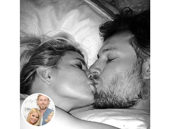 Jessica Simpson Posts Smoochy Selfie with Fiancé Eric Johnson