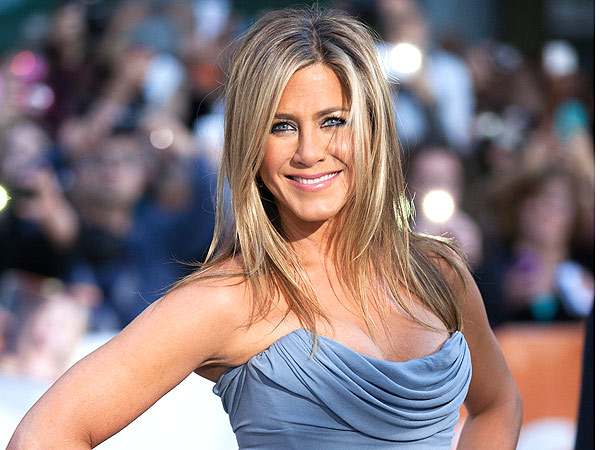 Jennifer Aniston Dishes on Beauty, Body and Life with Her Love Justin Theroux