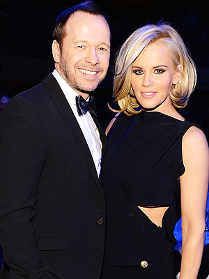 Jenny McCarthy Engaged to Donnie Wahlberg