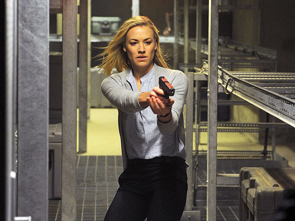 Yvonne Strahovski Fans: This Is Your Night!