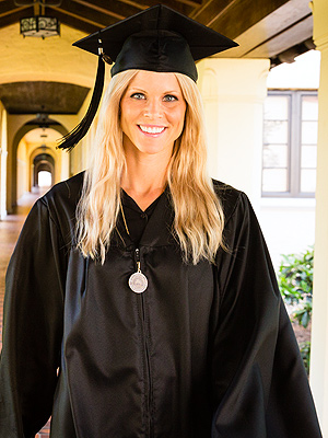 Elin Nordegren Graduates College, Gives Commencement Speech