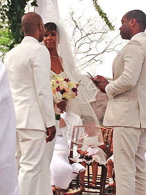 Kelly Rowland Marries Tim Weatherspoon