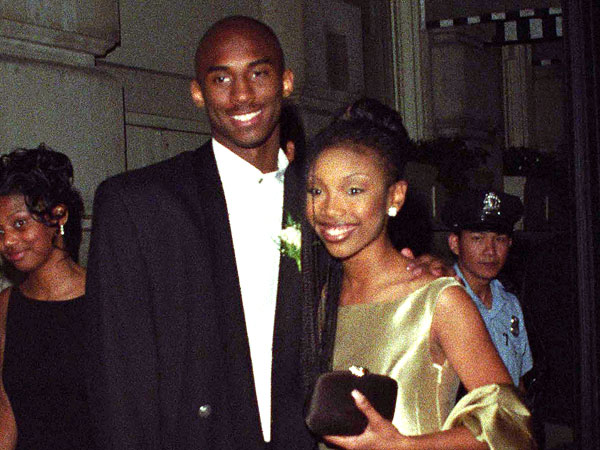 when did kobe and vanessa bryant meet