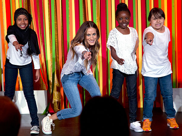 Sarah Jessica Parker Performs in Kids' Talent Show – at the White House