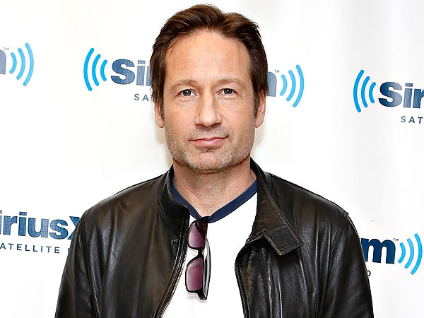 What Was David Duchovny Doing with an Avril Lavigne Guitar?