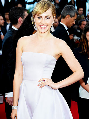 Bradley Cooper's Girlfriend Suki Waterhouse Cast in Divergent Sequel