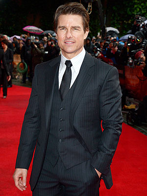 Tom Cruise Premieres Edge of Tomorrow in Three Countries in 24 Hours