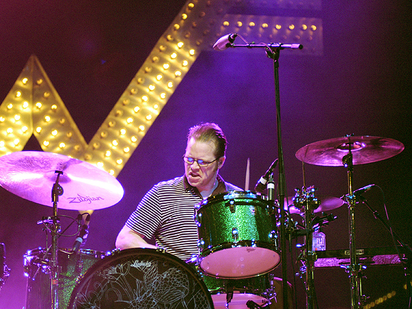 Weezer Drummer Patrick Wilson Catches Frisbee Mid-Song at Concert