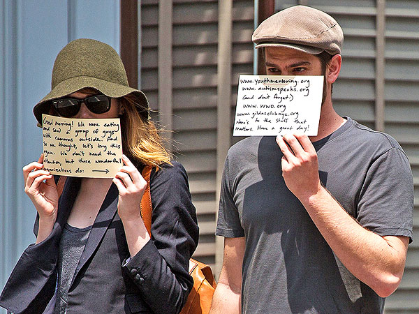 Emma Stone and Andrew Garfield Hide  from the Paps – for a Good Cause