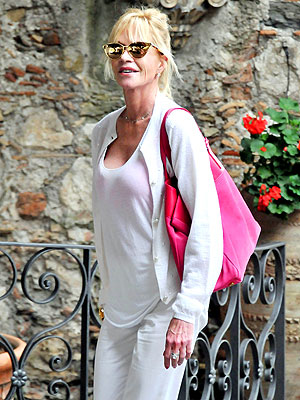 Melanie Griffith, Antonio Banderas Split: Actress in Italy Without Wedding Ring