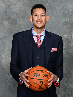 Isaiah Austin Receives Ceremonial Pick at 2014 NBA Draft
