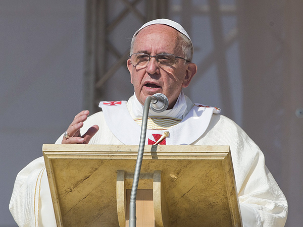 Pope's Relatives Killed in Road Accident: Report