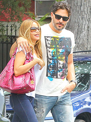 Hot New Couple Sofia Vergara & Joe Manganiello Step Out Together