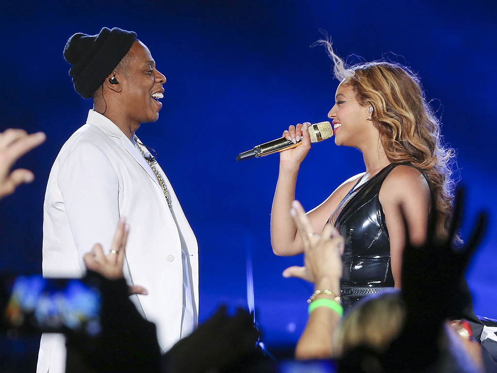 Beyonce Jay Z On the Run Tour Stop in L.A.: Kisses, Tears