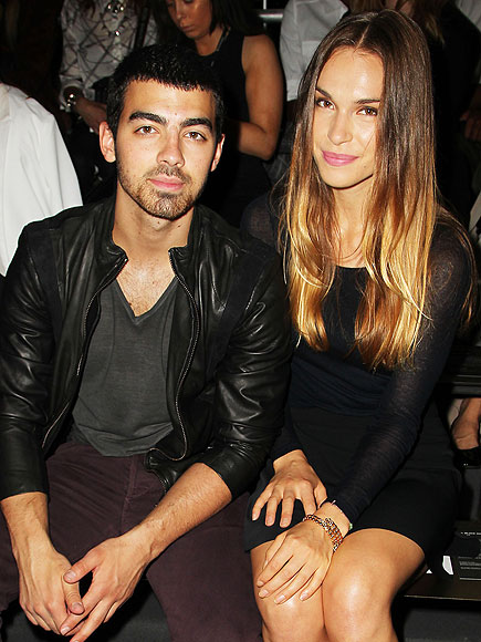 Joe Jonas and Blanda Eggenschwiler Split