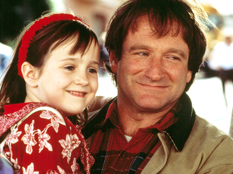 Robin Williams's Mrs. Doubtfire Costar Mara Wilson Writes Touching Tribute