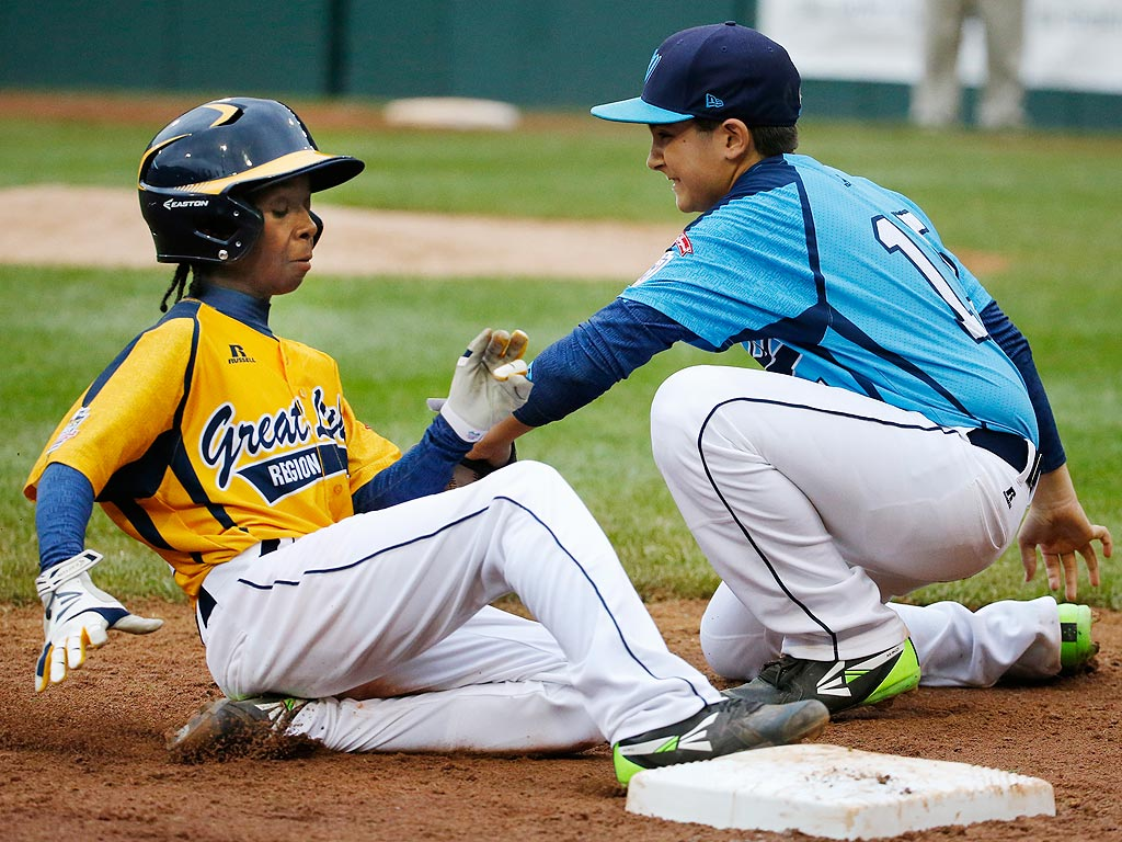 Chicago Man Pays Homeless Little League Champ's Rent for a Year