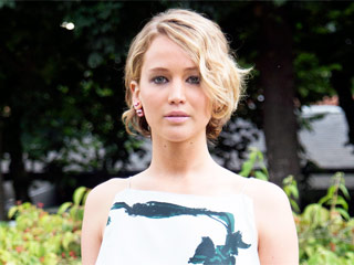 Lena Dunham, Emma Watson and More Celebrities React to Jennifer Lawrence Nude Photo Hack
