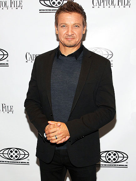 Jeremy Renner Confirms Marriage to Sonni Pacheco