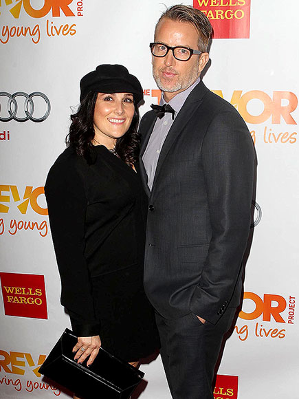 Ricki Lake Files for Divorce