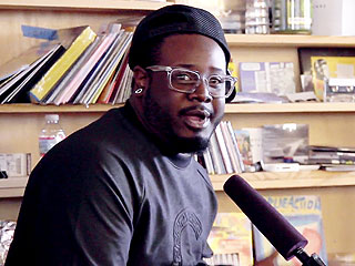 T-Pain Performs Without Auto-Tune, Sounds Pretty Good, Actually (VIDEO)