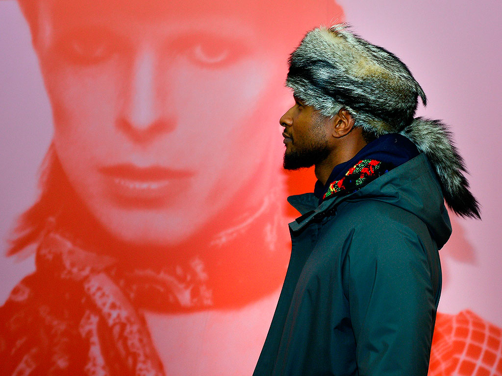 Usher Brings His Sons to David Bowie Exhibit