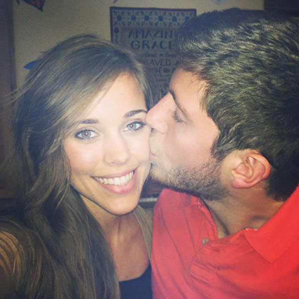 Jessa Duggar & Ben Seewald Seal Their Monthiversary with a Kiss