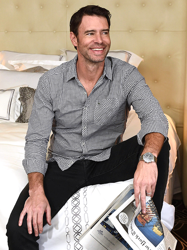 Scandal Scott Foley Has An Unorthodox Way To Break Tension On Set Peoplecom