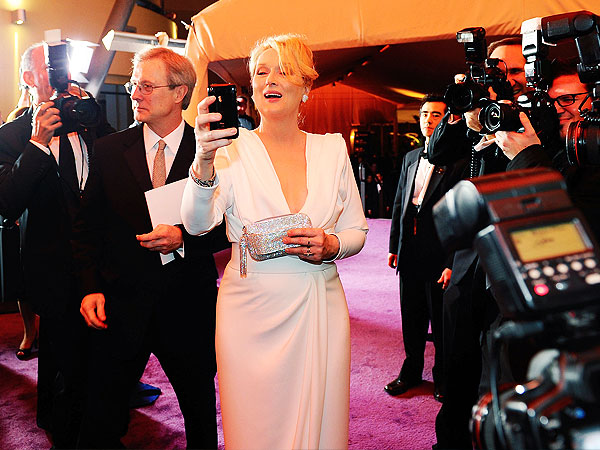 Meryl Streep Selfie: Hillary Clinton, Margo Martindale, 50 Cent