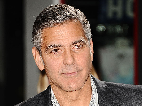 George Clooney Does Re...