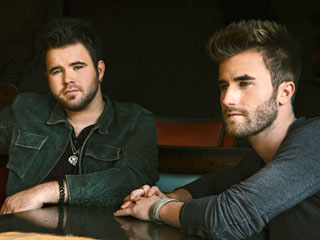 First Listen: The Swon Brothers' Debut Album