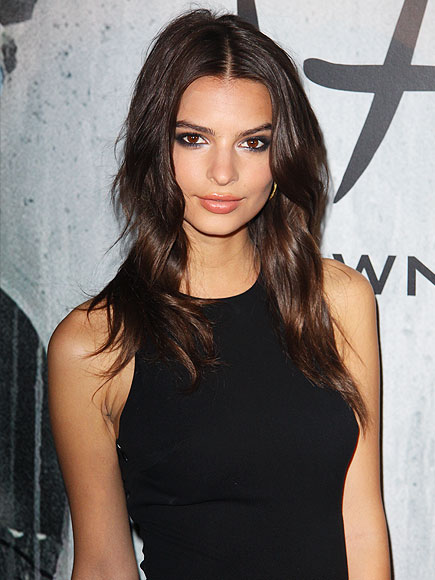 Emily Ratajkowski May Be In Sports Illustrated Swimsuit Issue