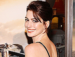 See Latest Anne Hathaway Photos