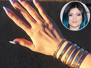 Kylie Jenner Wears Over $40,000 Worth of Cartier Love Bracelets (PHOTO)