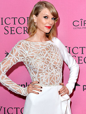 Photo Proof That Taylor Swift Is an Honorary Victoria's Secret Angel