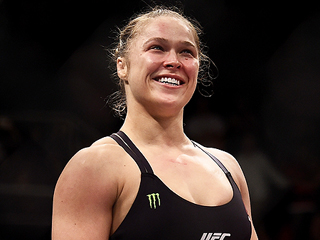 UFC Fighter Ronda Rousey to Star in New Carl's Jr. Commercial