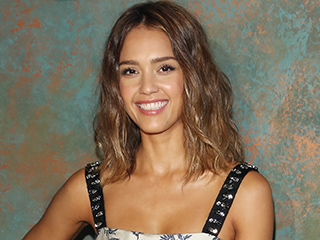 Watch Jessica Alba and Daughter Haven Make a 'Masterpiece' in the Kitchen