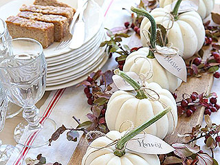 11 Surprisingly Easy Ways to Make Your Thanksgiving Table Look Fantastic