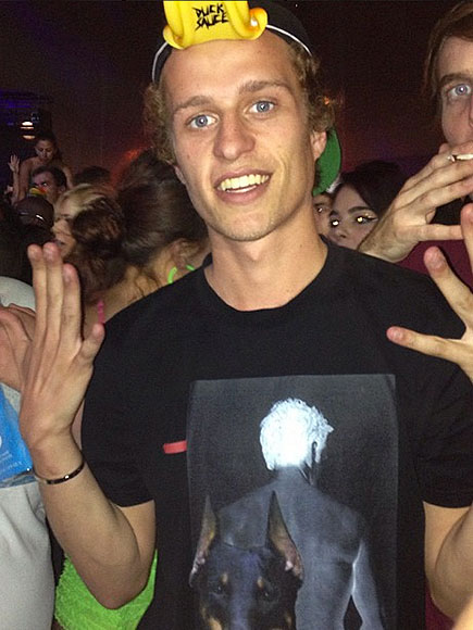 Conrad Hilton to Plead Guilty to Assault for Threatening to Kill Flight Crew