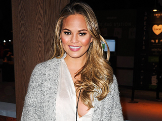 Not Even Chrissy Teigen Could Score This at the White House Correspondents' Dinner