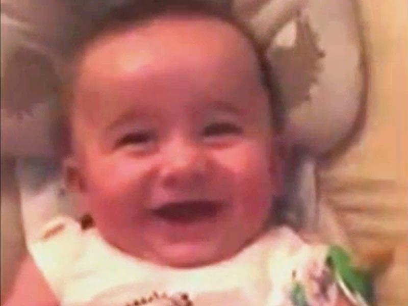 Video: Baby Laughs Lik...