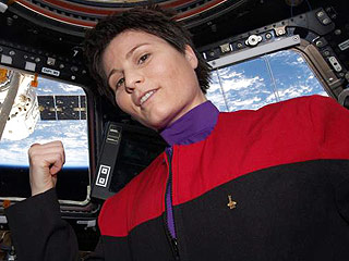 Italian Astronaut Wears Star Trek Uniform in Space