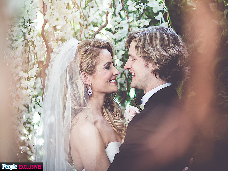 Olympic Ice Dancers Charlie White and Tanith Belbin Wedding in Michigan